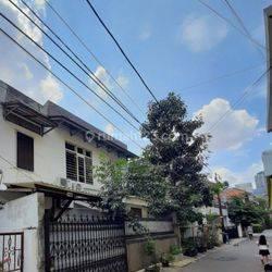 Rumah Hocky 2 Lt TERMURAH area Istimewa Setiabudi, Jakarta Selatan