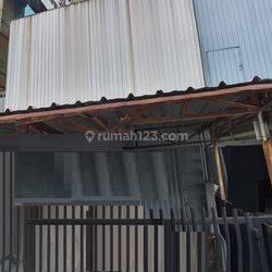 Rumah siap huni dengan luas 15x31 466m type 5KT diPasar Baru Jakarta Pusat