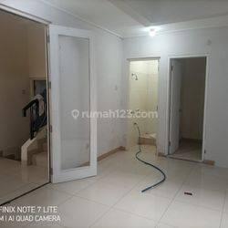 Rumah di Puri Mansion, Uk 8x15, Ada 3 unit AC, Kamar 3+1, Harga : 80 jt perth, Puri Mansion, Jakarta Barat