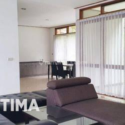 Rumah minimalis Sangat Bagus di Komplek Mewah Setra Duta Bandung Utara