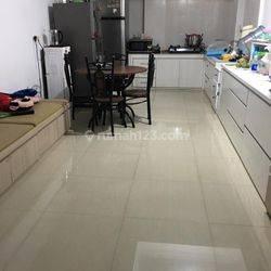 Jakarta Barat Rumah bagus di kavling polri jelambar bebas banjir(JL77)