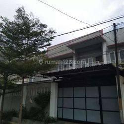 Jakarta Barat Rumah besar dikawasan strategis jelambar(JL76)