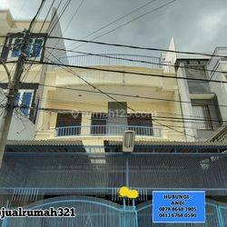 Jakarta Barat Rumah bagus dutamas lokasi strategis(jl67)