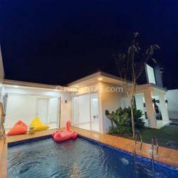 Rumah mewah private pool dekat jl. Raya dan Tol desari
