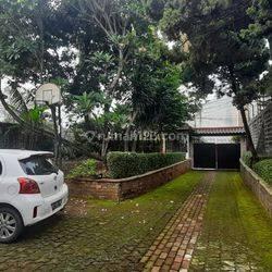 Rumah Siap Huni Kolam Renang Private di Kebagusan, Jakarta Selatan