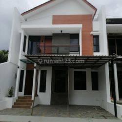 dkt KPAD Gegerkalong Setiabudi Pasteur Rumah 2 Lantai Cluster di Ciwaruga