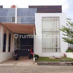 Rumah 2 Lantai di Komplek The Spring, Kenten City Palembang