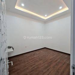 Rumah Grisenda 6x18, Brandnew, Full Renov Bangunan Baru, Lantai Granit, Jakarta Utara