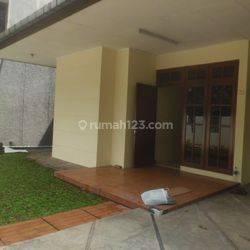Rumah JL.Muhasim Cilandak dekat ke Jl.TB.Simatupang , 110 jt ./thn
