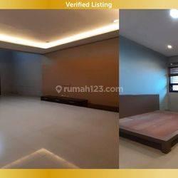 Dikontrakan Rumah Baru Renovasi Minimalis Siap Huni di Singgasana Pradana