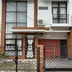 Rumah Minimalis, Rapi, Layout ok dalam kompleks Bona Indah