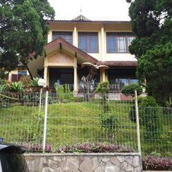Villa Trawas Vanda Gardenia Siap Huni Terawat Sekali
