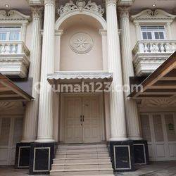HOUSE FOR OFFICE AT JL GUNTUR RUMAH 4LANTAI 9KT 9KM NICE MEWAH BAGUS MURAH GOOD CONDITION (VERY CHEAP) UNFURNISHED