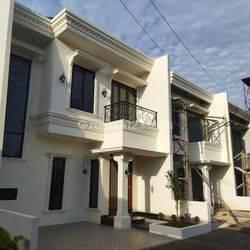 Rumah Mewah Selangkah ke Tol Pondok Gede