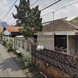 Rumah di Haji Ramli Menteng Dlm, 100 Meter dari Supomo, Jalan Lebar