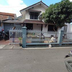 Rumah Luas Tanah 194m Area Kiaracondong harga 1 m an