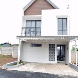 Rumah 2 lantai manis minimalis di Setu Tangerang Selatan