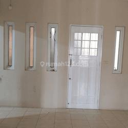 Rumah 2 Lt Sudah Renovasi Di Cluster Valencia Graha Raya