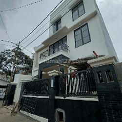Rumah baru 3 lantai di Kalibata utara,Jakarta Selatan