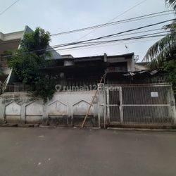 Rumah Tua di Duri kepa lebar jalan 2 mobil(DK54)