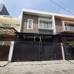 Rumah Bagus Lokasi Strategis Jalan Gede Di Duri Kepa(DK51)