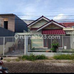 Rumah sangat luas bagus siap huni aman nyaman di Citra 2 Jakarta Barat