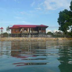 Rumah Pantai di selatan Belitung