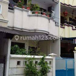 Rumah Kondisi Bagus Di KavPolri Jelambar(JL86)