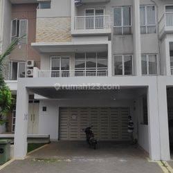 Rumah di Green Permata, Jln Swadarma Raya Pesanggrahan Jakarta Selatan