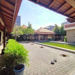 Rumah Semi villa di Tukad Badung Renon Denpasar