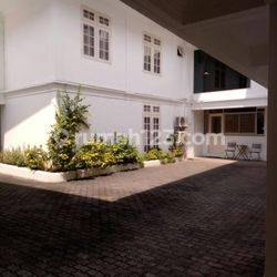 1BR COMPOUND HOUSE AT KUNINGAN AREA SOUTH JAKARTA FULLY FURNISHED