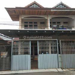 Rumah siap pakai 2 lantai di Pontianak