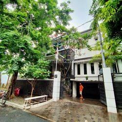 Rumah Siap Huni - Mega Kuningan Area