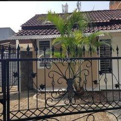 HOUSE AT JL MAGNOLIA IV SEKTOR 1.2 BSD GRIYA LOKA RUMAH CANTIK 3KT 2KM NICE MEWAH BAGUS MURAH GOOD CONDITION (VERY CHEAP) SEMI FURNISHED