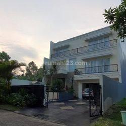 Rumah di Puspita Loka BSD