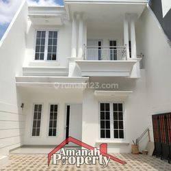 Rumah di Cipedak SIAP HUNI Design Classic 2 Lantai Dekat Tol Brigif