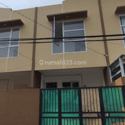 Rumah baru 2 lantai di Cipinang Jakarta Timur