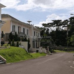 Rumah nyaman dan asri dalam cluster Les Belles @ jalan Raya Serpong