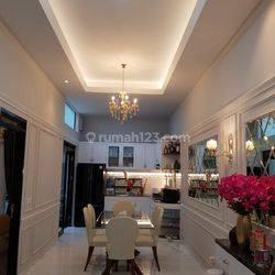 Rumah di kota baru parahyangan full furnished konsep american style