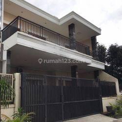 Rumah Cantik Siap Huni di Kebayoran lama Jakarta Selatan