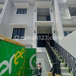 Rumah Dalam Komplek Dekat Tol Desari Dan Jalan Kahfi 1 Ciganjur Jaksel
