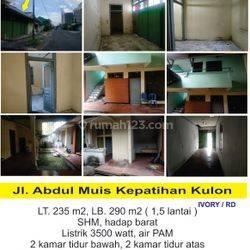Rumah  strategis Jl. Abdul Muis, Margotudan ( dekat SMAN 1 Solo  )