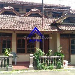 Rumah 5 Kamar Tidur Siap Huni Dago Kota Bandung
