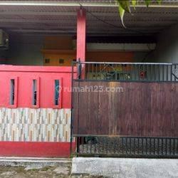 Rumah cantik siap huni di Nirwana Curug Tangerang