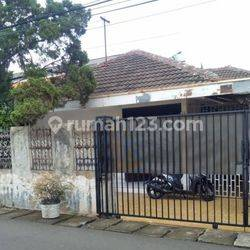 Rumah 5 Menit Tol Kuningan 2 Menteng Dalam, Tebet, Jakarta Selatan