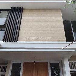 rumah cantik di Sektor 2, Bintaro Jaya, Jakarta