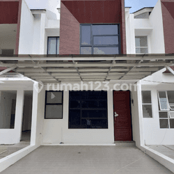 Rumah Dua lantai lokasi Sangat Strategis Dekat Tol andara