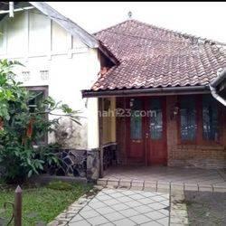 Rumah Lama, Lokasi Sayap Riau, Cihapit, Bandung