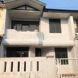 Rumah Cantik Komplek area kembangan 7x15m, hubungi yudi