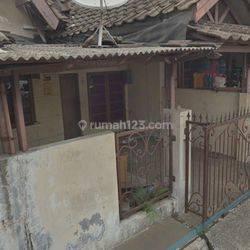 rumah di villa taman cibodas jalan dahlia 1
